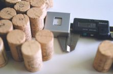 Groupe ICV Controls on batches of corks